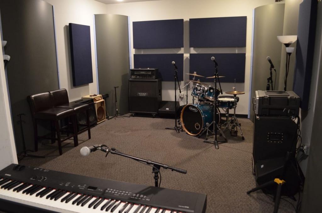 Studio 3 Mixer Corner