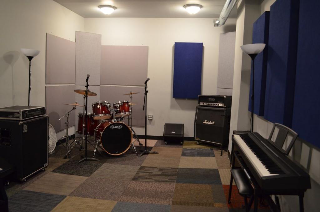 Studio 5 Rear