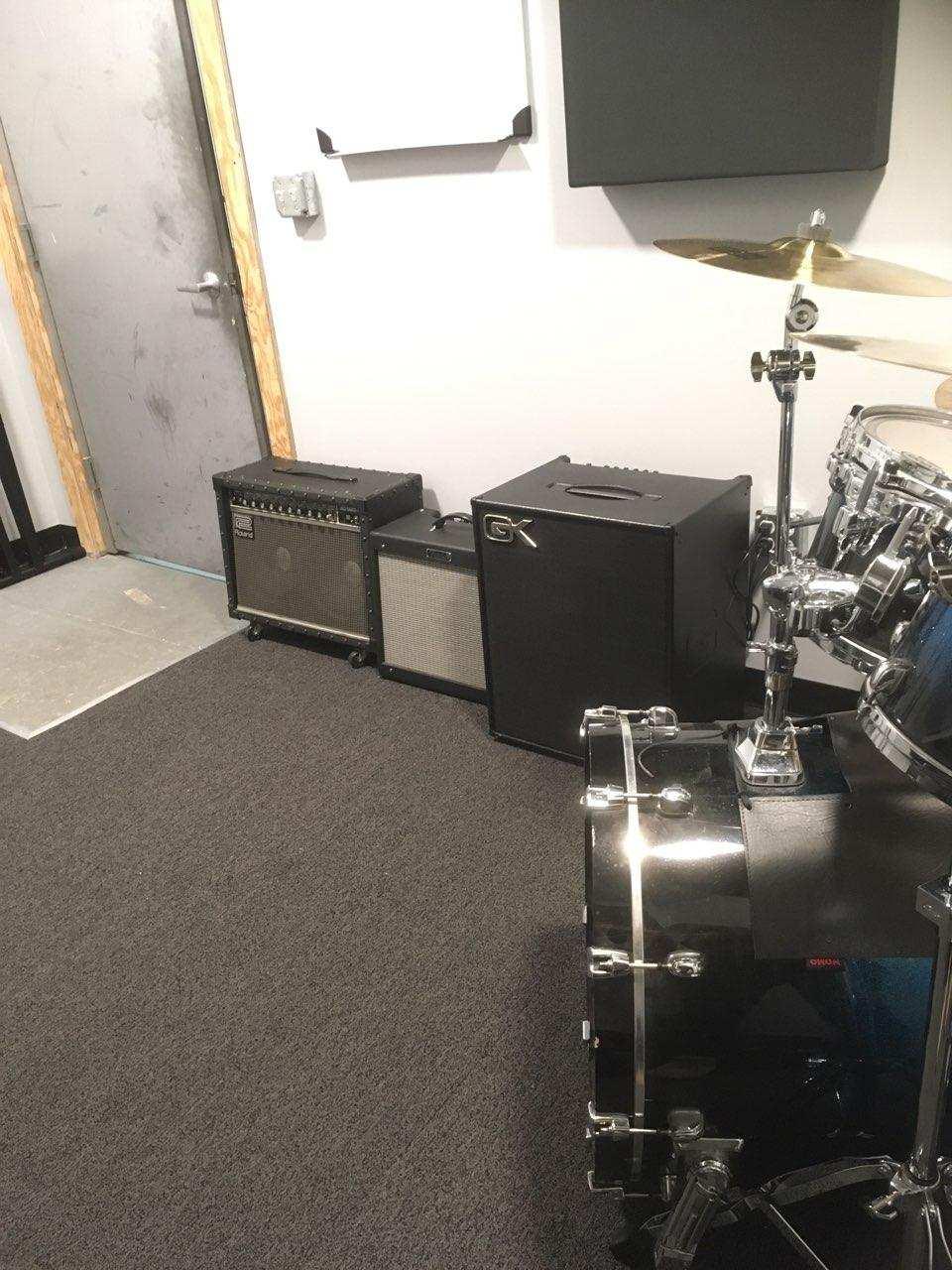 Studio 11 2